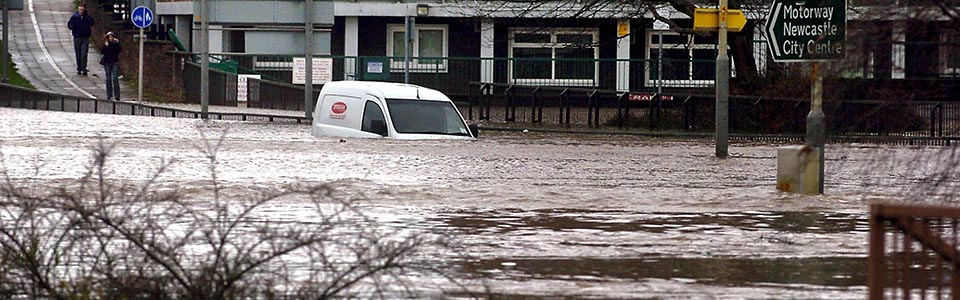 8th January 2005 Flooding in Carlisle. Car submerged at Hardwick Circus JONATHAN BECKER