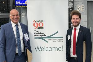 Jan Winkler fra Atkins Danmark og Martin Duus Havelykke fra Sund & Bælt Holding A/S modtog den prestigefyldte IABSE-pris i Outstanding Paper-kategorien. Prisoverrækkelsen foregik 5. september i New York.